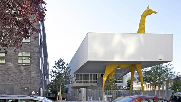 La cr che de la girafe par l 39 agence hondelatte laporte for Architectes de france