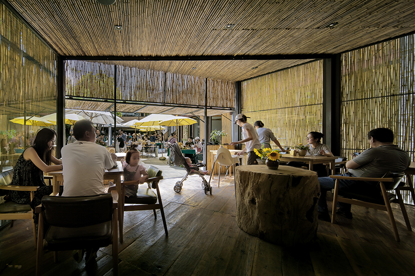 Zhaoyang Architects Took Up The Challenge And Transformed It Into A Market  And Restaurant. Passersby Can Now Buy Fresh Products In The 200 Square ...